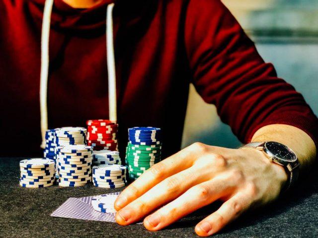 Bliv klogere på spil om penge online